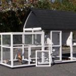 Konijnenhok Kathedraal XL is voorzien van ruime deuren voor optimale toegankelijkheid