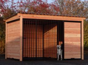 Hondenkennel FORZ zwart met Douglas houtkader 342x240 cm