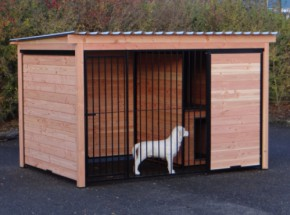 Hondenkennel Forz van Douglashout met geïsoleerd nachthok