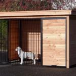 Hondenkennel met houtkader van Douglashout