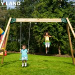 Houten schommel voor openbaar gebruik bij school en restaurant: Hy-Land Classic Swing Set