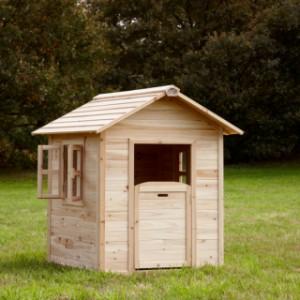 Houten speelhuisje voor in de tuin   Noa   Sunny