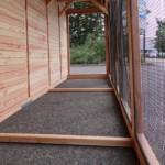 Ruime ren met houten achterwand