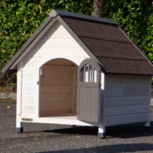 Hondenhok Private 3, de deur wijd open voor kleinere honden