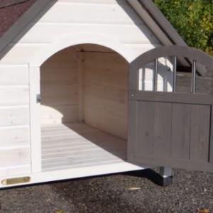 Hondenhok Private 3   kijk eens van binnen