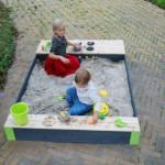 Houten zandbak met speelkeuken | EXIT Aksent