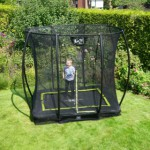 Rechthoek trampoline voor de kleine tuin