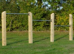 Triple duikelrek Skill RVS duikelstangen 125cm 4 geïmpregneerd houten palen 200cm