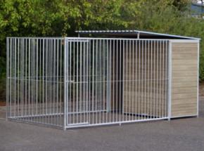 Hondenkennel FIX voorzien van half dak 4x2m