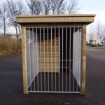 Hondenkennel FIX met houtkader en luxe dak
