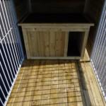 Binnenzijde kennel Fix 3x1,5 met houten vloer