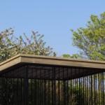 Hondenkennel Flinq zwart 2x2 met luxe afgewerkt dak met overstek