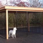 Hondenkennel FLINQ zwart met luxe dak en Douglas houtkader 3x2m