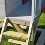 Laddertje en veranda houten speelhuis