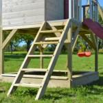 Speelhuis Nordic Adventure House met glijbaan en schommel