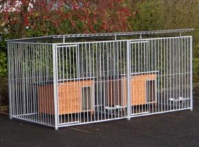 Hondenkennel Flinq Dubbel 2x4 m met nachthokken en voederstellen