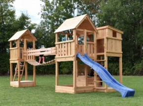 Speeltoestel Backyard met brug en glijbaan