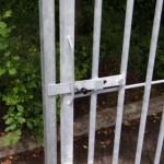 Spijlenpaneel met deur links, 150cm breed