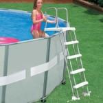 Zwembadladder Intex 132cm