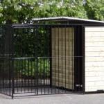 Zwarte hondenkennel 2x3 meter