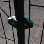 Gaasklem Groen Dubbel voor bevestiging van afrasteringspanelen
