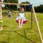 Houten speeltoestel met Aanbouwschommel @Swing