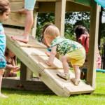 klimplank aan speeltoren