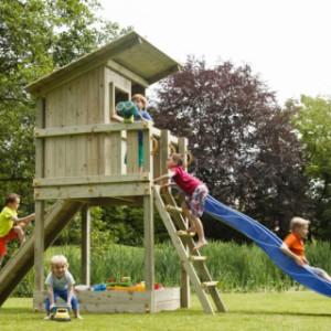Speeltoren voor in uw tuin, de Blue Rabbit Beach Hut met glijbaan