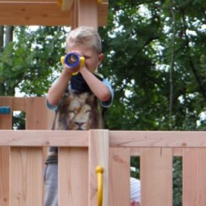 Houten buitenspeelgoed, speeltoren van Douglashout: Komen ze d'r al aan?!