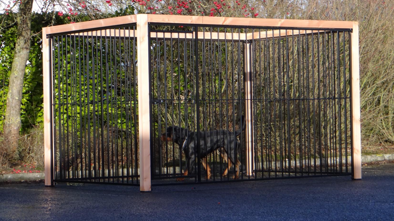 Hondenkennel FLINQ zwart met Douglas houtkader 3x2m