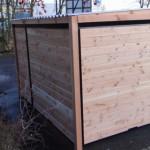 Achterwand en zijwanden van hout voor een optimale beschutting.