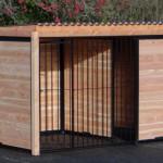 Hondenkennel FORZ zwart met dak en Douglas houtkader 318x218 cm