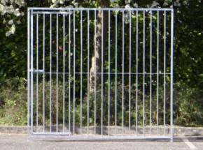 Kennelpaneel met deur, breedte 2 meter, afmeting 200x184cm