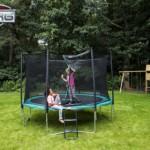 Berg trampoline trapje