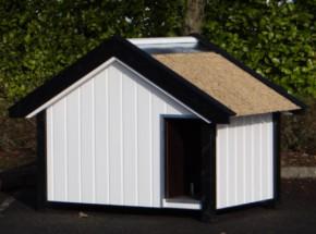 Hondenhok Snuf: exclusief hondenhok met rieten dak, Douglas-hout, geïsoleerd, afm. 206x125x142cm