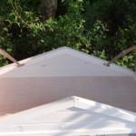 Konijnenhok Excellent Small white-grey met handige bergruimte onder het scharnierend dak.