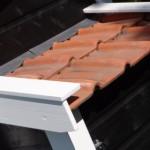 Kippenhok Supreme: het legnest van dit kippenhok is voorzien van dakpannen en loodaansluiting.