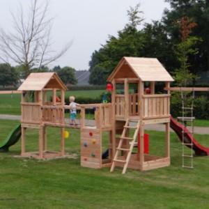 Douglas speeltoestel geeft voldoende speelplezier voor diverse kinderen!