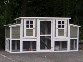 Kippenhok Stijn is een modern kippenhok met 2 legnesten voor de kippen, totale afm. 226x70x103cm