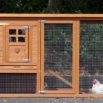 Konijnenhok Budget met kunststof dak (voorkant konijnenhok met ren)