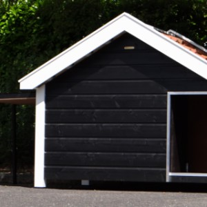 Het luik aan de zijkant geeft ruimte om schoon te maken of extra ventilatie voor een warme zomerdag.