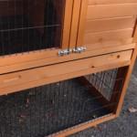 Diepe kunststof schuiflade konijnenhok