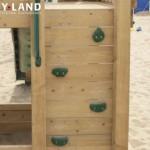 Speeltoren voor openbaar gebruik met klimwand