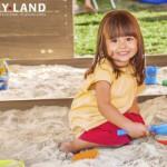Openbaar speeltoestel met zandbak