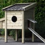 Kippenhok van geïmpregneerd hout