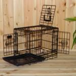 Onze zwarte hondenbench 48cm heeft 3 deuren (!)