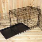 Stevige Hondenbench 93cm met handige kunststof schuiflade om gemakkelijk schoon te maken