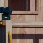 Stoer Douglas hout met groene accessoires