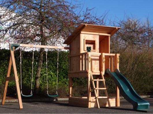 Speeltoestel Beachhut Douglas set Speeltoren met glijbaan, dubbele schommel, zitjes, verrekijker.