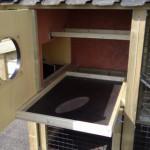 Handige schuiflade met beton multiplex bodem